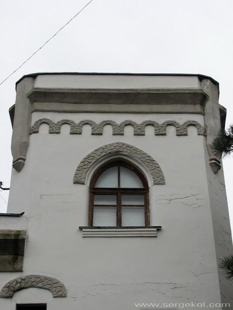 Дача Е. Щехтер, Башня, детали.
