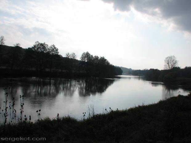 Сутиски. Река.