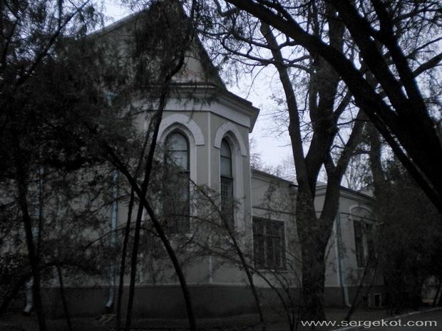 Французский бульвар, 52. Бывшая церковь. Противоположный фасад.