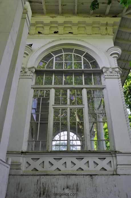 Санаторий Чкалова. Дача Ашкенази. Окно на террасу.