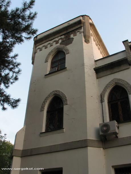Дача Е. Щехтер, Башня.