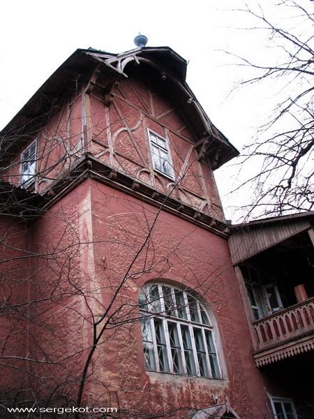 Французский бульвар. Немецкий дом. Башня.