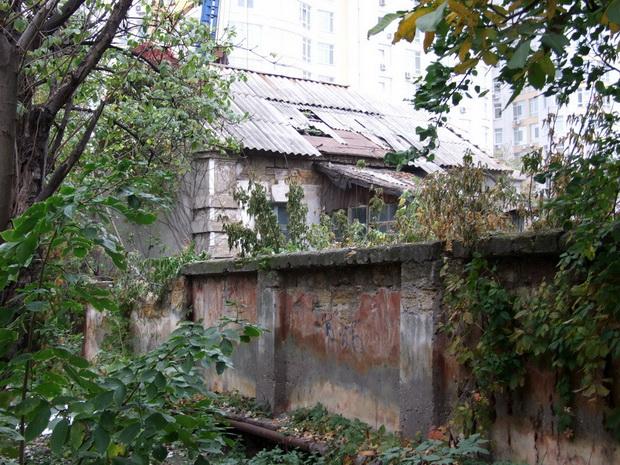 вероятно, остатки строений на даче Рапопорта.3