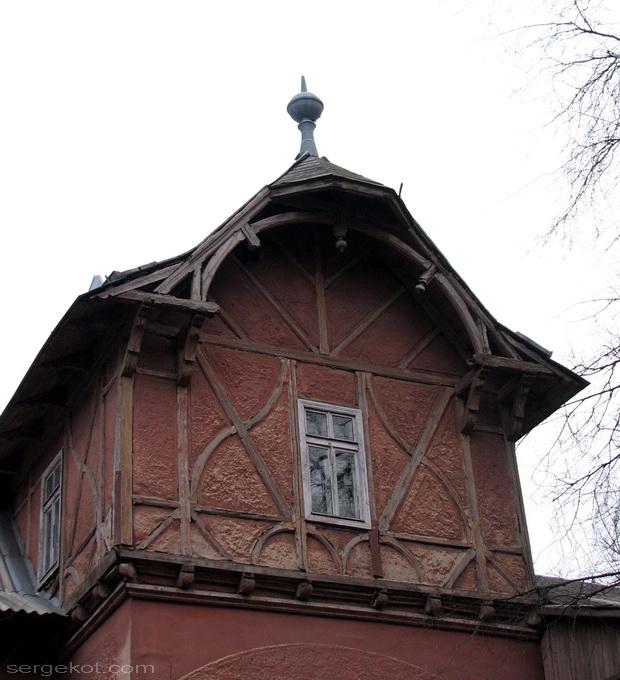 Французский бульвар. Немецкий дом. Деталь.