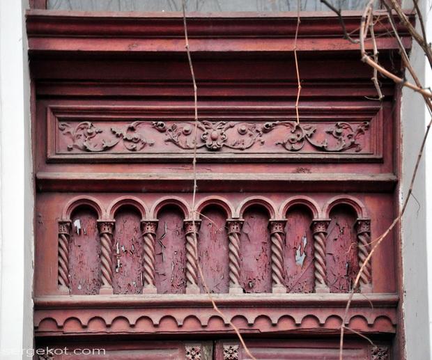 Екатерининская площадь, 6. Дверь.
