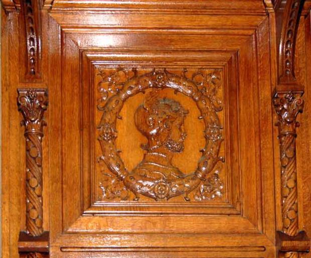 Фрагмент деревянной отделки Столовой.