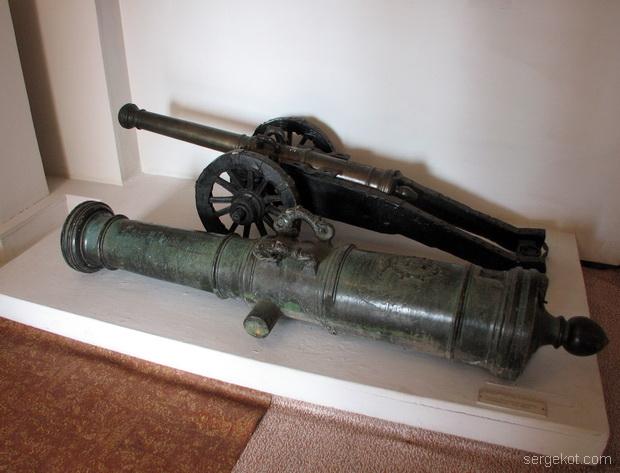 Тимановка. Музей. Пушка..