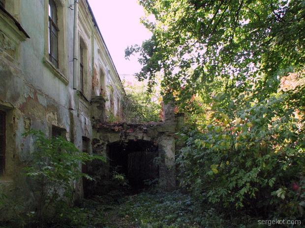 Тимановка. Парковый фасад и терраса-мостик...