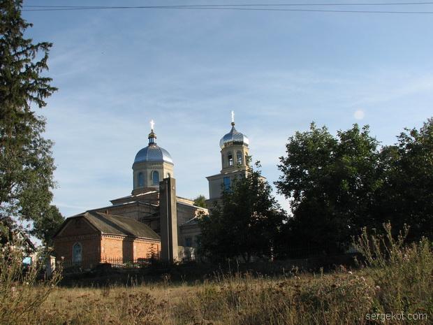 Кинашев. Вид на церковь.