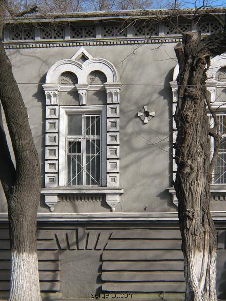 Мечникова, 53, Окно крупным планом.