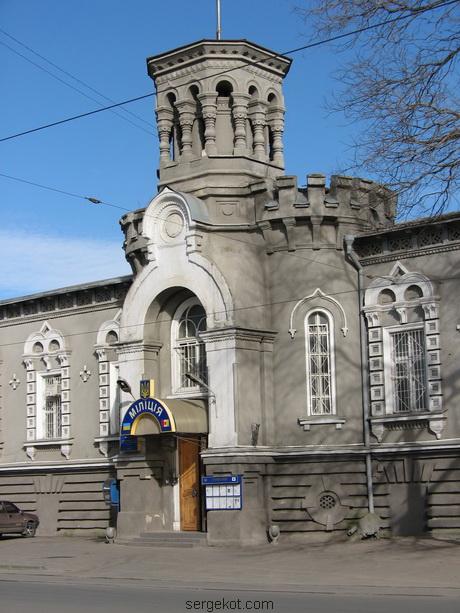 Мечникова, 53, Центральный ризалит и башня -.