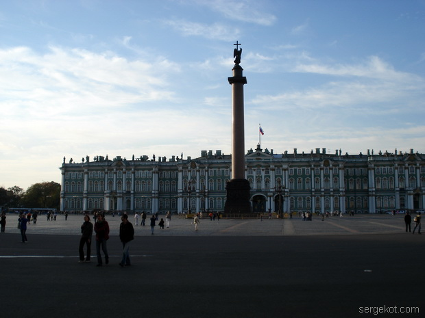 Санкт-Петербург.Дворцовая площадь, вид на Зимний.