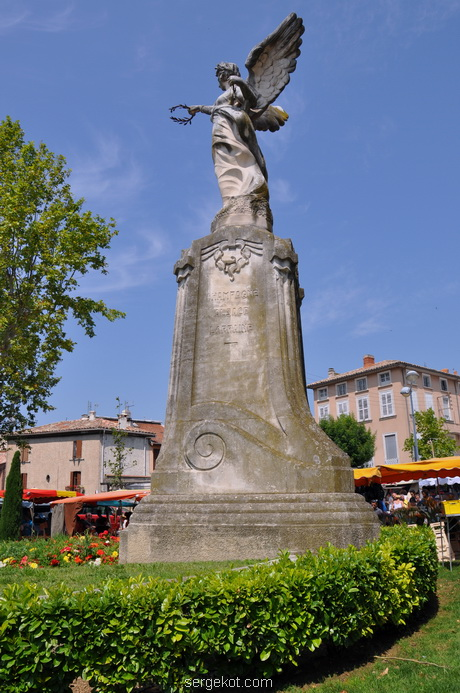 World War I Monument in Carpentras