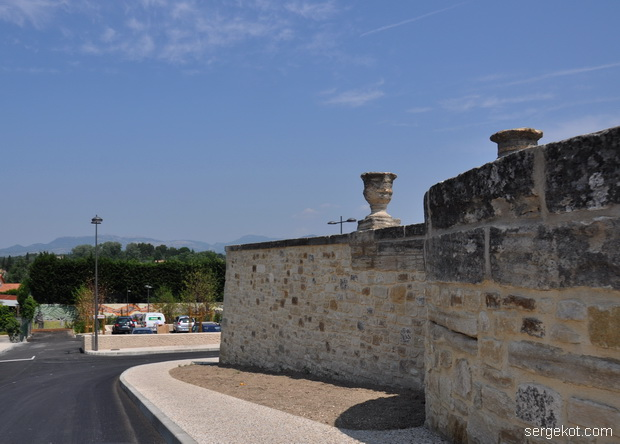 Road in Carpentras