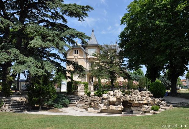 Chateau_de_la_Roseraie