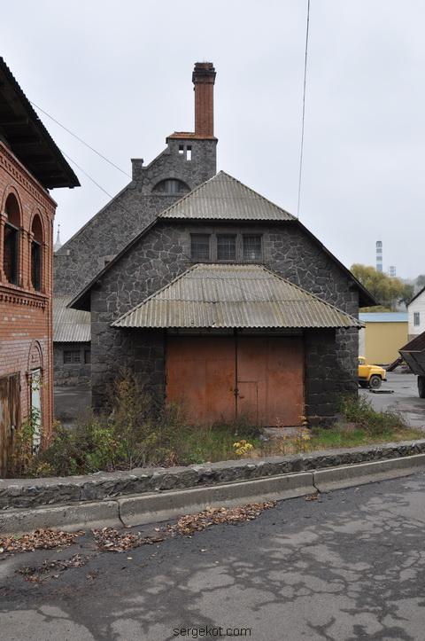 Немиров. Электростанция. Боковой фасад.