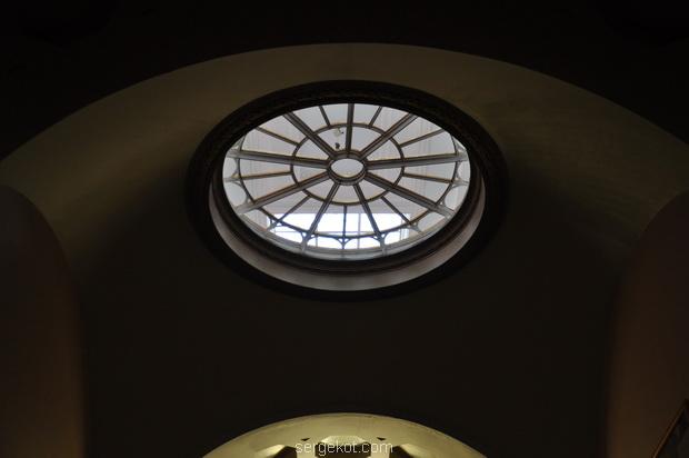 Немиров Интерьеры. Главный  зал.. Арочный коридор.. Двойной верхний свет.