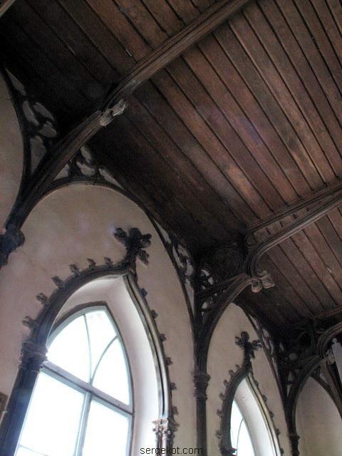 Чечельник. Усыпальница Собанских. Интерьер,готическое оформление потолка.