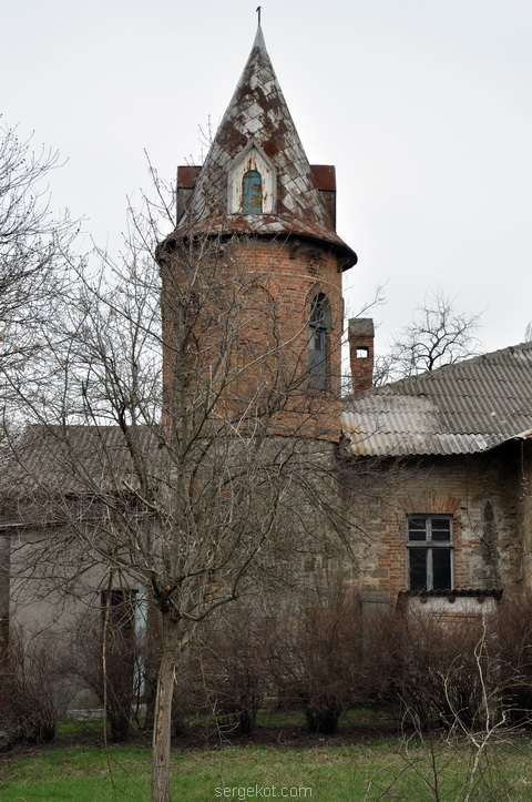 Шабо. Усадьба Ансельма. Башня.