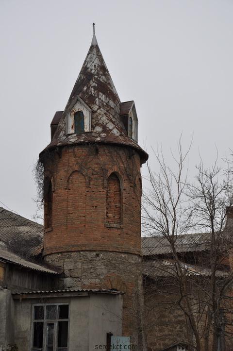 Шабо. Дача Ансельма. Башня.