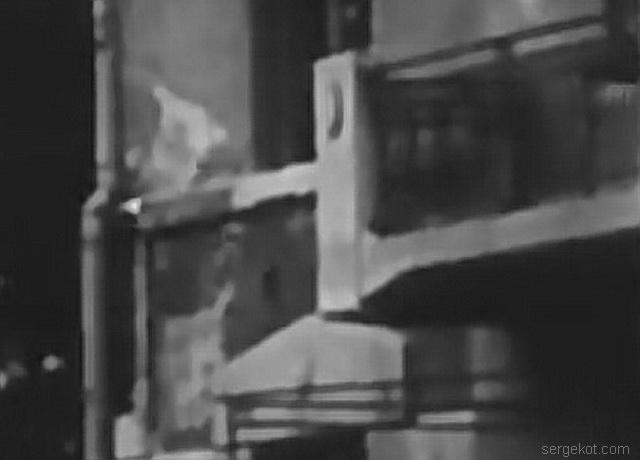 Французский бульвар 11а.. Фрагмент фильма 1926 года с балконом.