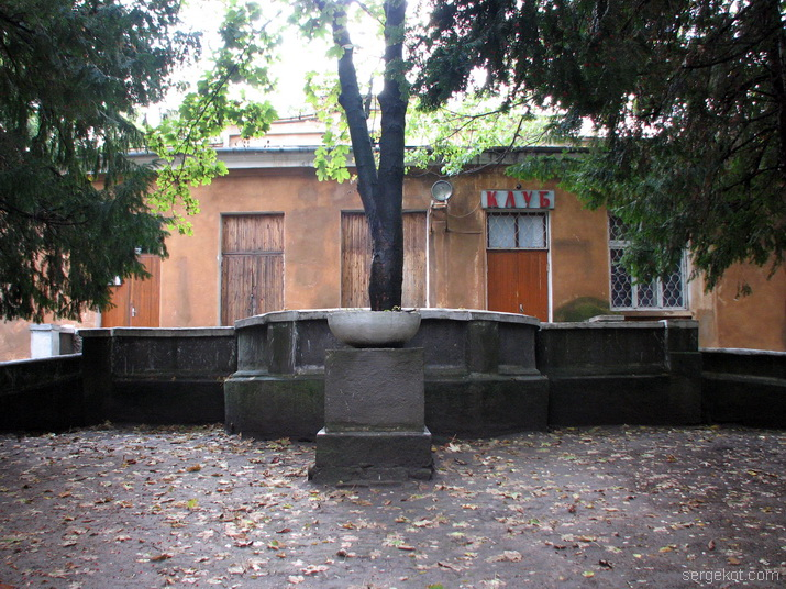 Дача Маврокордато-Школа слепыхю Фасадю_14